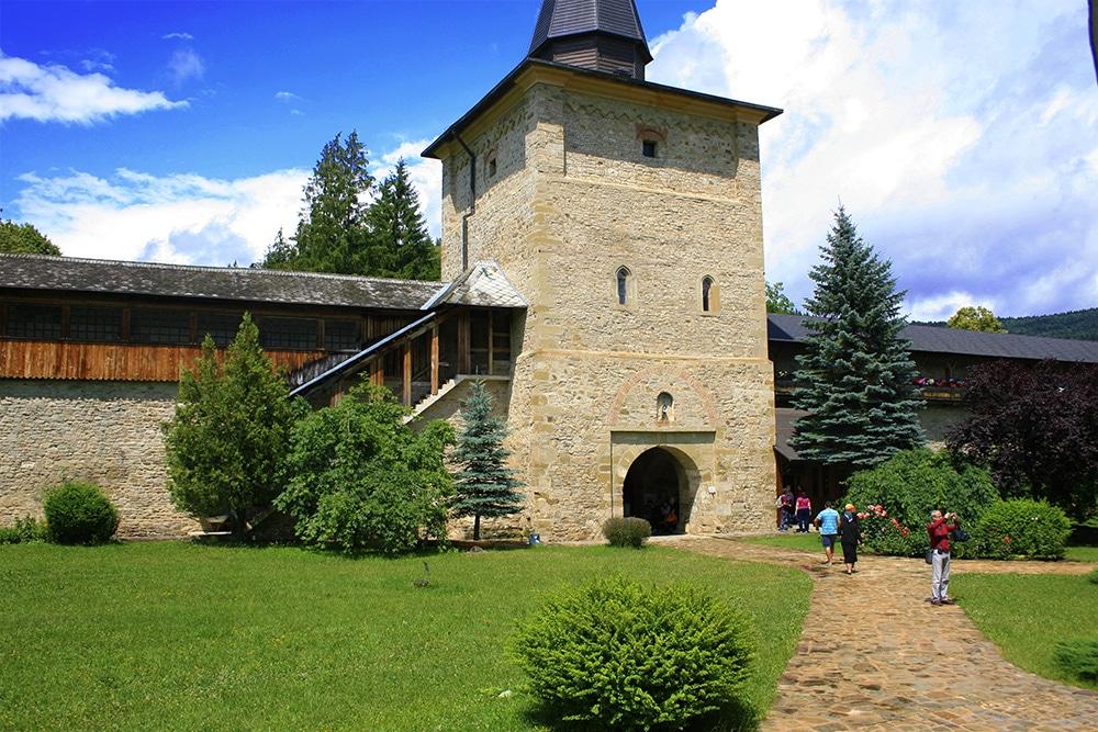 06 - Manastirea Sucevita _ ChiqueRomaniaJPG (11)_site