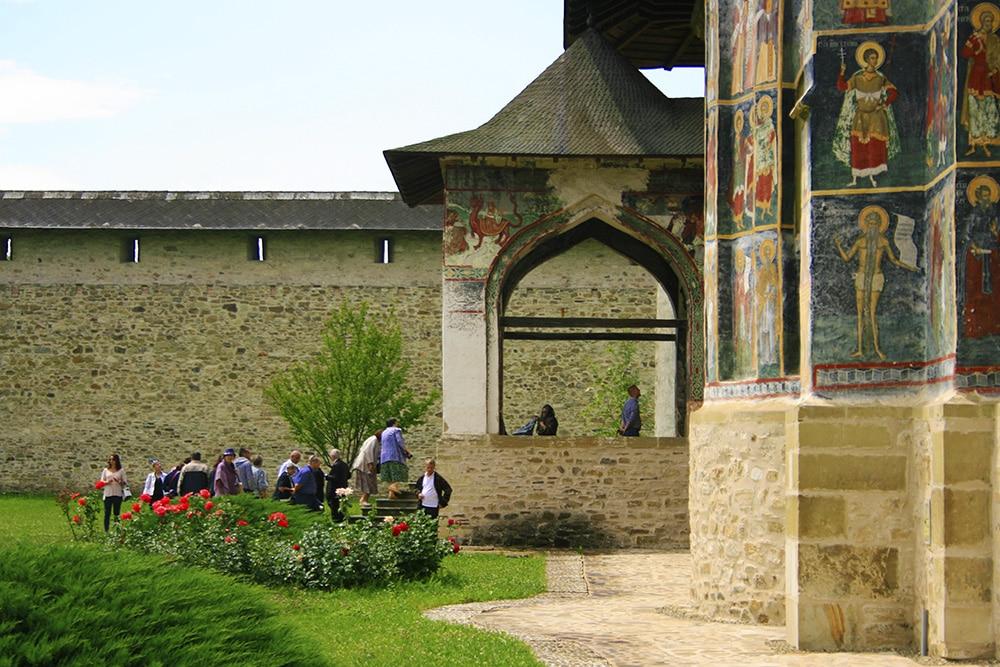 06 - Manastirea Sucevita _ ChiqueRomaniaJPG (3)_site