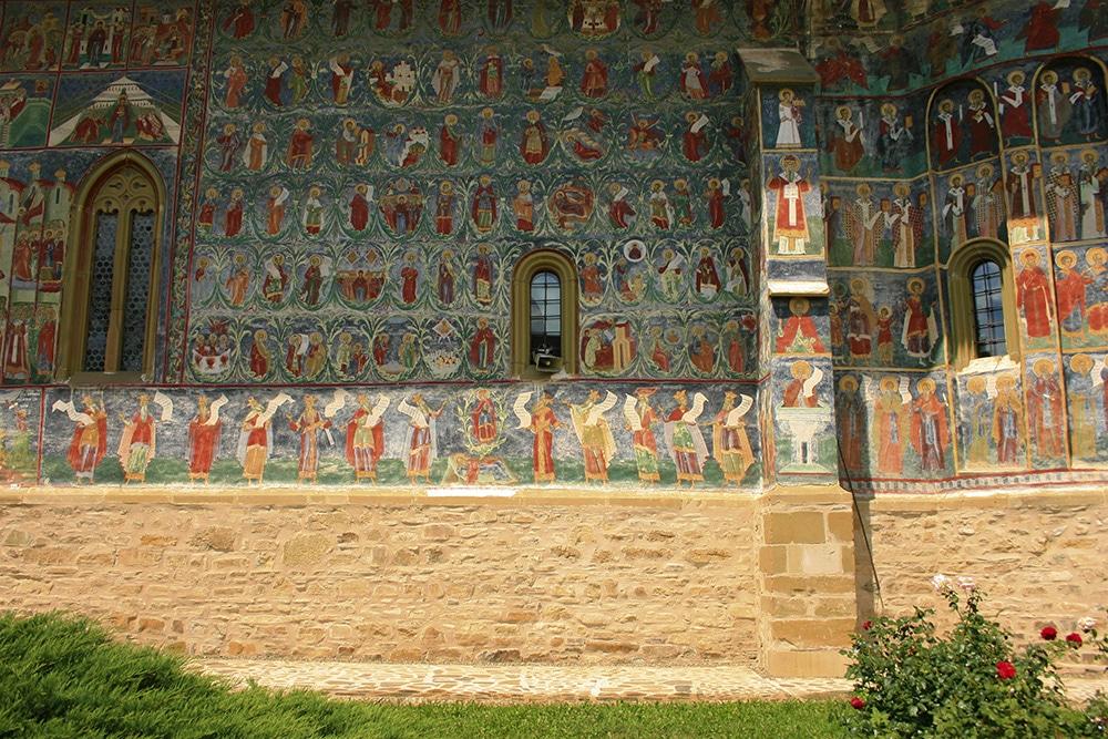 06 - Manastirea Sucevita _ ChiqueRomaniaJPG (6)_site