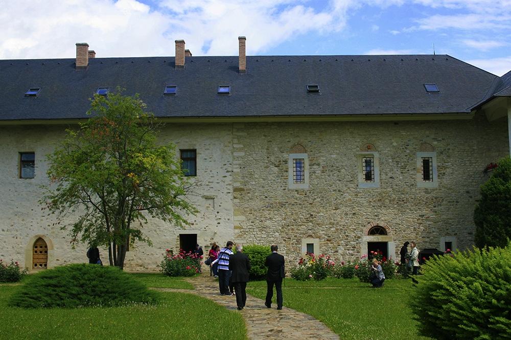 06 - Manastirea Sucevita _ ChiqueRomaniaJPG (8)_site
