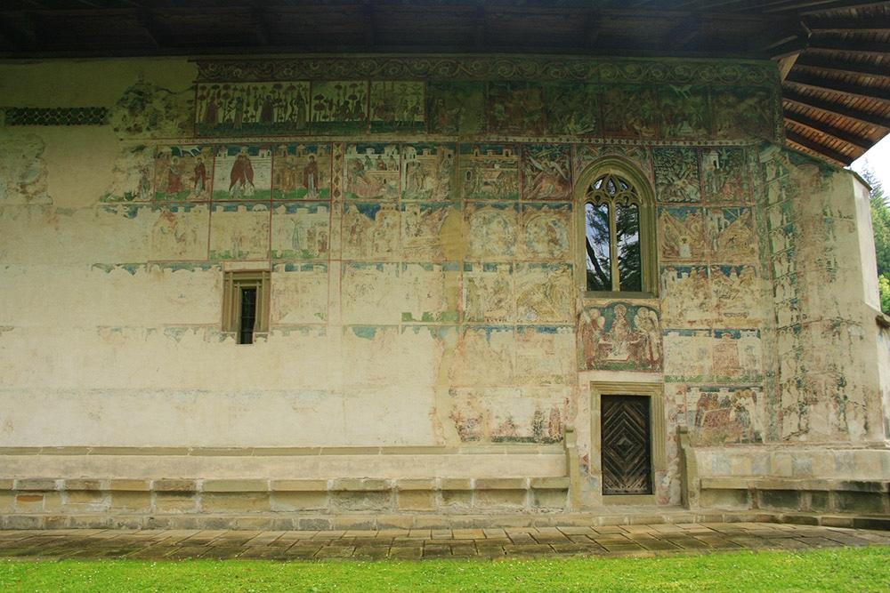 02 - Manastirea Voronet - ChiqueRomania (10)_site