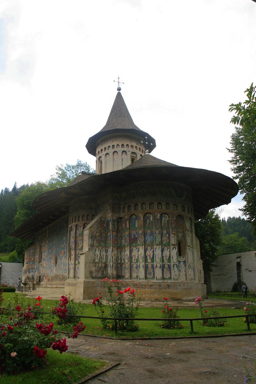 02 - Manastirea Voronet - ChiqueRomania (2)_site