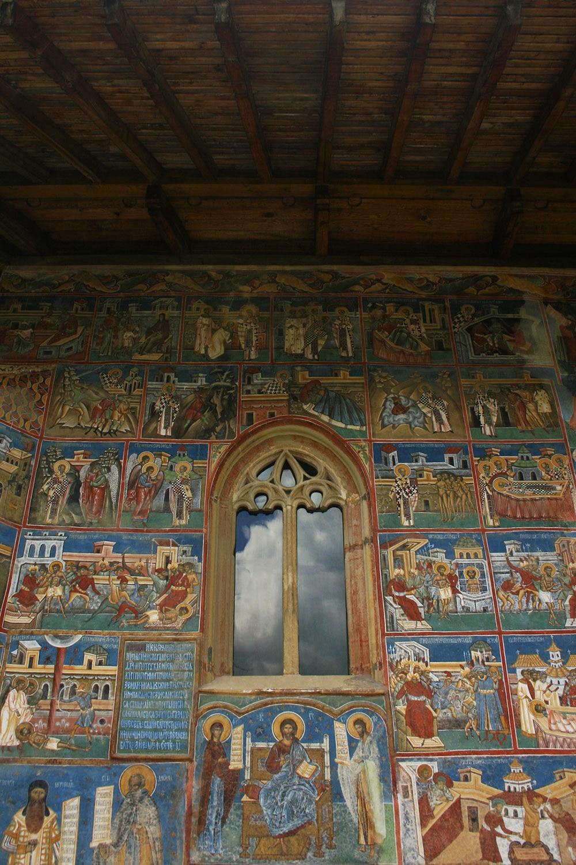 02 - Manastirea Voronet - ChiqueRomania (6)_site