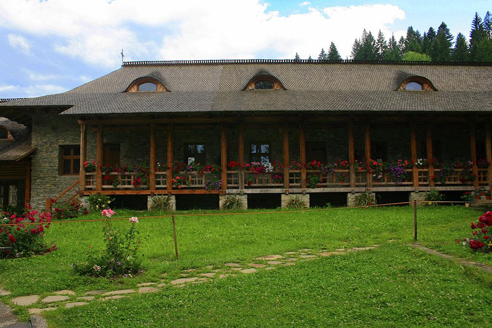02 - Manastirea Voronet - ChiqueRomania (7)_site